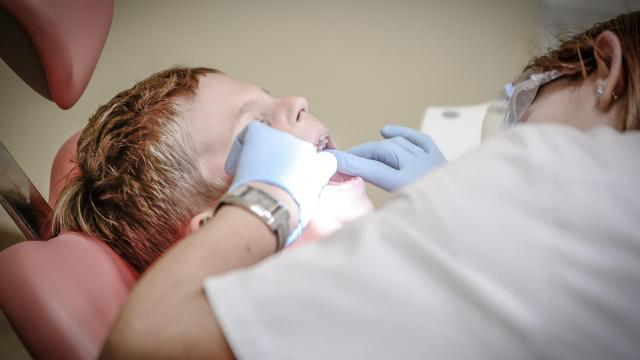 Photo of a pediatric dental appointment