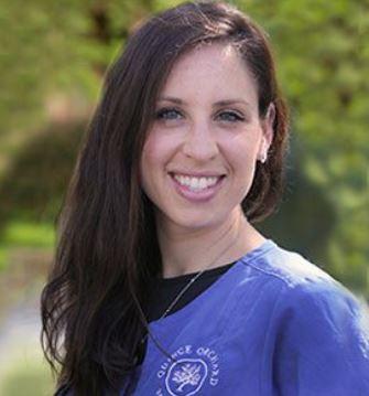 Photo of Dr Lauren Lewis